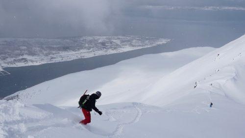 lyngen fjord splitboarding powder