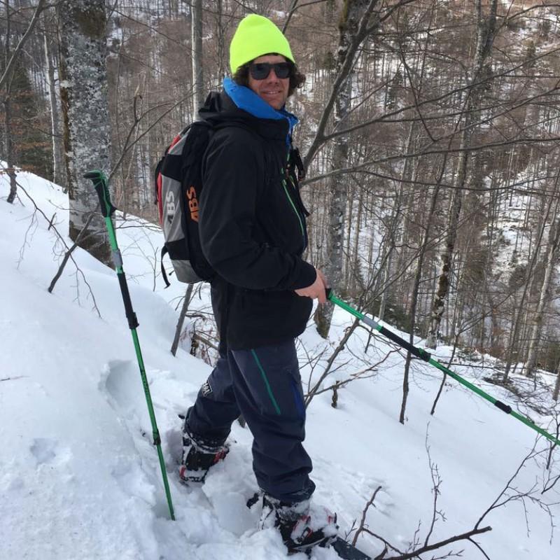 KOnTAKT US – Backyard Snowboarding